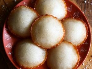 Diwali Special Chettinad Seeni Paniyaram Recipe In Tamil