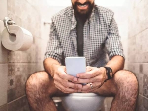 Why We Ought To Stop Using Our Phones On The Toilet