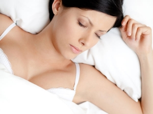 Why It Is Important To Remove Bra While Sleeping