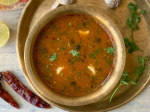 Chettinad Poondu Rasam Recipe In Tamil