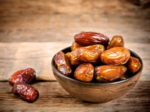 Right Way To Eat Dates To Get Maximum Benefits