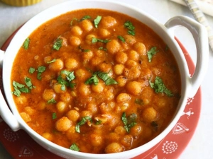 Pattani Kuzhambu Recipe In Tamil