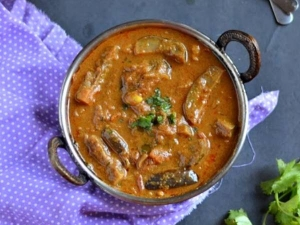 Kathirikkai Masala Kulambhu Recipe In Tamil