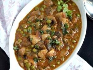 Green Peas Mushroom Masala Recipe In Tamil