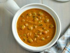 Kerala Style Green Peas Gravy Recipe In Tamil