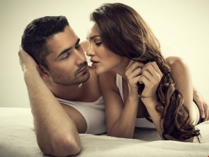 Creative Ways To Tell Your Woman You Want Make Love