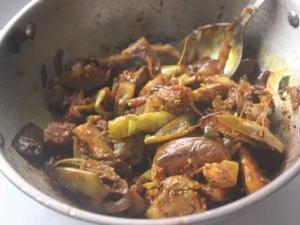Ennai Kathirikai Poriyal Recipe In Tamil