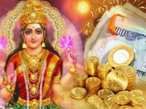Do These Remedies On Friday Goddess Lakshmi Will Fulfill Your Every Wish