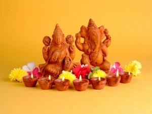 Why Goddess Lakshmi And Lord Ganesha Are Worshiped Together
