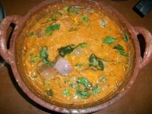 Kathirikai Kara Kulambu Recipe In Tamil