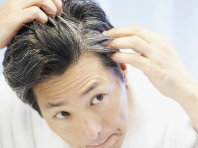How to turn grey hair into black using natural ingredients
