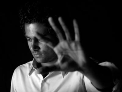 ஆன்லைன் டேட்டிங்: போலி பெண்களிடம் இருந்து  ஜஸ்ட் எஸ்கேப்பான 7 ஆண்களின் கதைகள்!